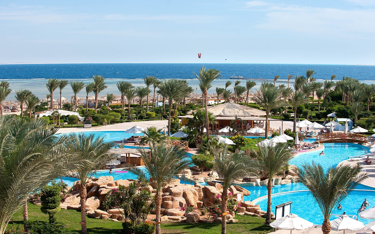 Amwaj Oyoun Resort & Spa 5*