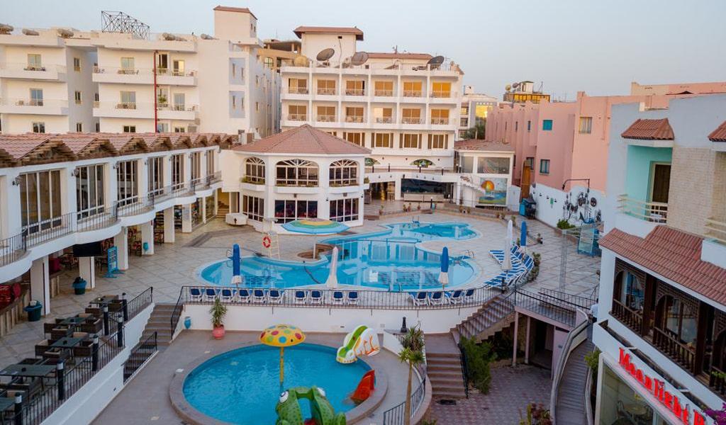 Minamark Resort 4*